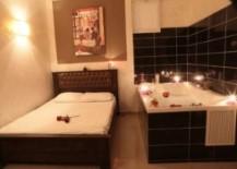 מלון יהלום- ממוקם במתחם הבורסה ברמת גן, מלון איכותי ויוקרתי המעביר אווירה רומנטית ונעימה. החל מ 100 ש''ח חדרים לפיש עה ברמת גן